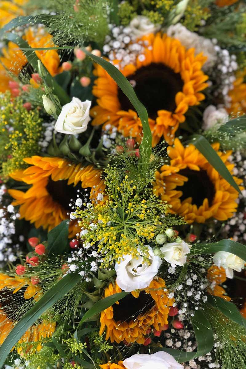 Afscheidsbloemen, rouwstuk, bloemstuk, rouwboeket en grafstuk Leiden - Kanbier's Dochter